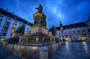 Denkmal Kaiser Franz I in der Burg