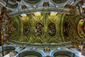 Mariahilfer Kirche Wien