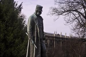 Statue des Kaisers Franz Joseph im Burggarten