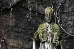 Statue des Hl. Ruprecht an der Ruprechtskirche